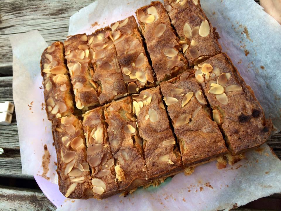 Auntie Annie's shortbread fruit & almond slice