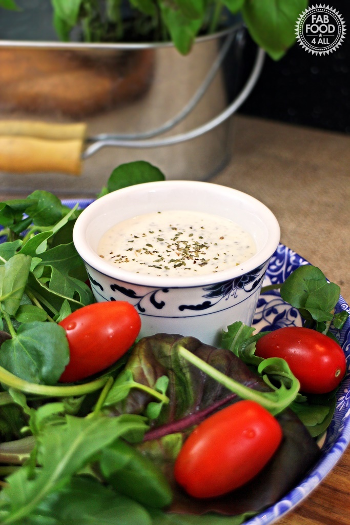 Creamy Italian Salad Dressing – great with Pizza!