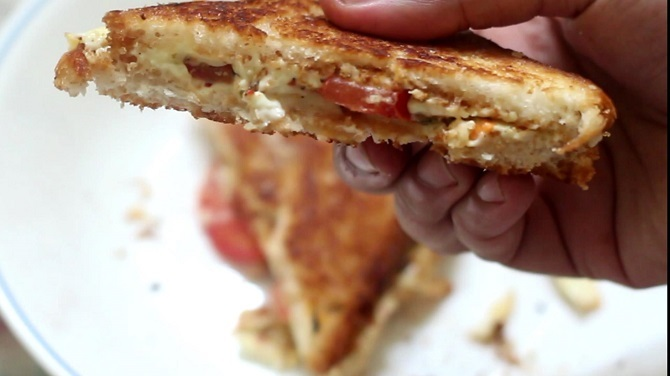 Simple Cheese Tomato Sandwich Recipe, How to make cheese sandwich
