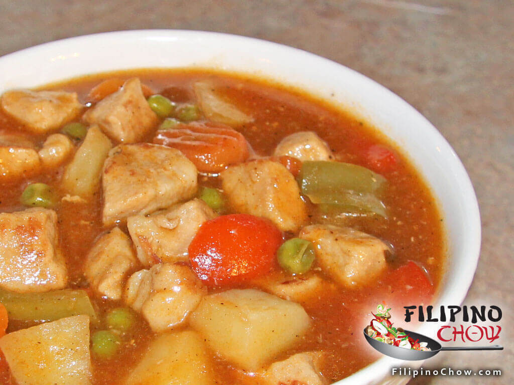 Menudo (Diced Pork with Vegetables in Tomato Sauce)