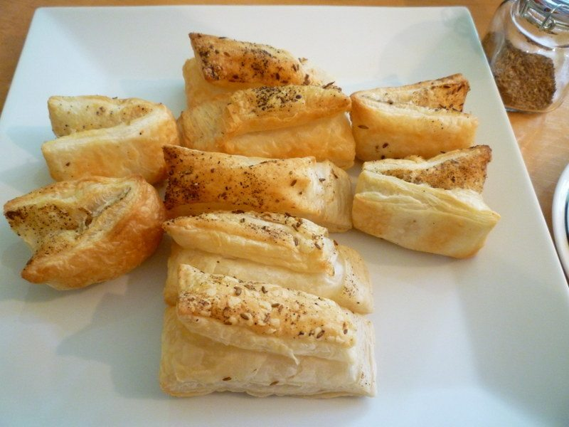 Savoury Puff Pastry Bites (Khari biscuits/Puff biscuits)
