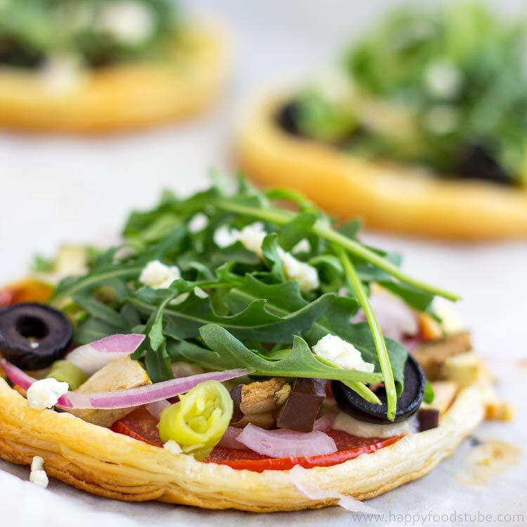 Mini Vegetarian Puff Pastry Pizzas