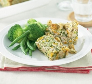 Chicken meat loaf with crunchy topping