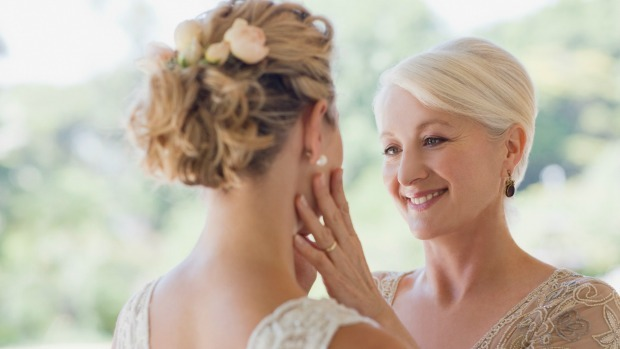 How to do perfect make-up if you're the mother of the bride