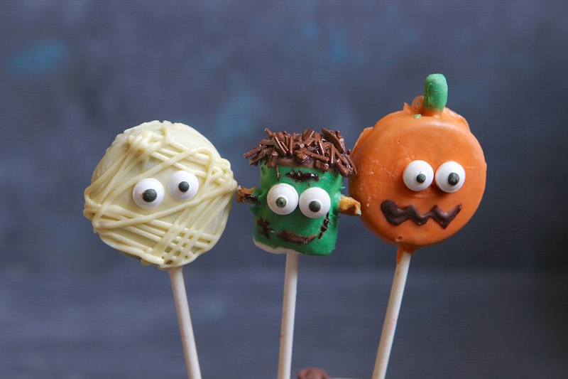 DIY Halloween Candy Pops