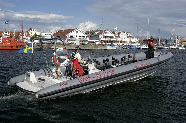 Hyr RIB båt