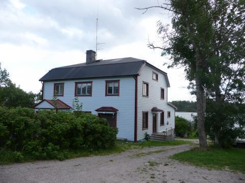 Stor annorlunda undervåning i hus med sjöutsikt, Yxlan, Roslagen, Stockholm - Uthyres