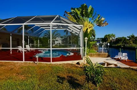 Poolvilla vid kanal för åtta personer, CAPE CORAL Yacht Club, USA - Uthyres