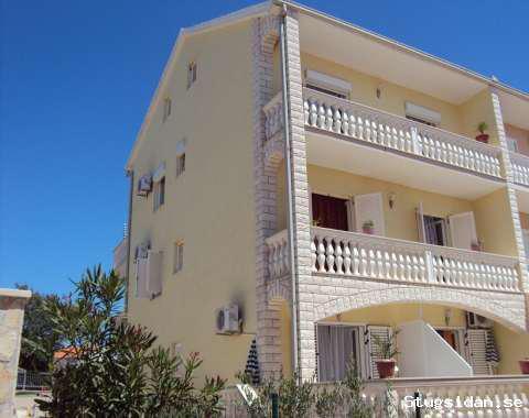 Moderna lägenheter, 2-12 personer, 9 km från Split flygplats, Trogir/Okrug Gornji-Ön Ciovo, Kroatien - Uthyres