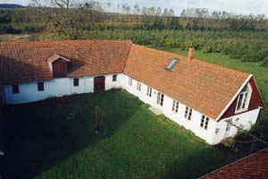 Del av gård i äppleodling utanför Kivik uthyres, Kivik, Skåne - Uthyres