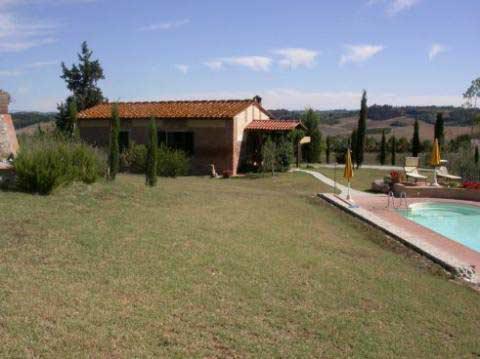 Toscana:Litet fristående hus för 4 personer och saltvattenspool, Toscana - Volterra, Italien - Uthyres