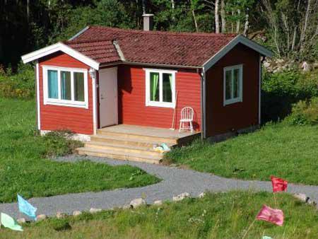 Bo i en röd mysig stuga på landet, frillesås, Halland - Uthyres