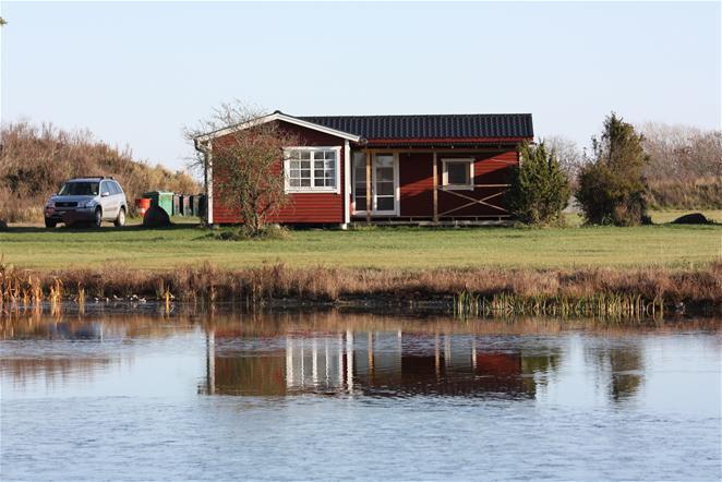 Stuga på Öland vid sjö, bad och fiske