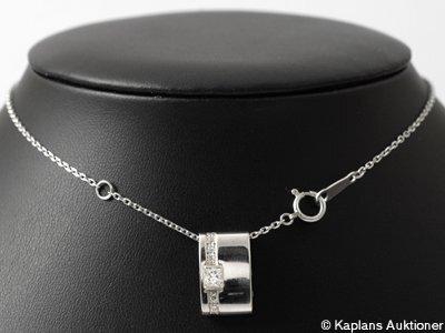 Vackert hänge med kedja, platina med prisessslipad diamant