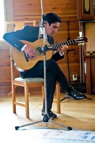 Hyra Solist Klassisk Gitarr eller lärare i Klassisk Gitarr.
