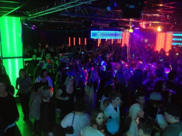 Party DJ eller hyra av Ljud och Ljus