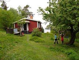 Fritidshus på sjötomt Adelsö