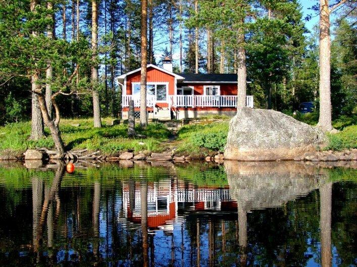 SJÖN NISSÅNGEN - Strandtomt, sjöutsikt, egen badstrand, båt, bastu, fiske