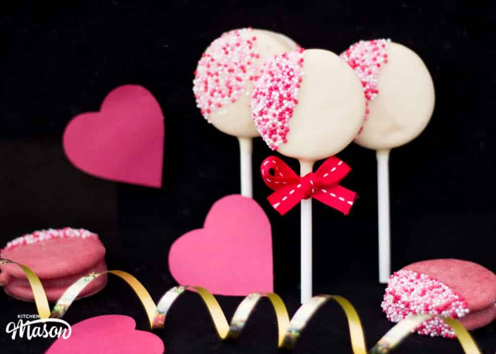 Easy Valentines Day Oreo Pops