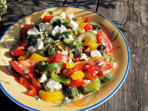 A New 5:2 Diet Fast Day Recipe – Greek Lunch Box Salad with Feta Cheese and Mint Dressing