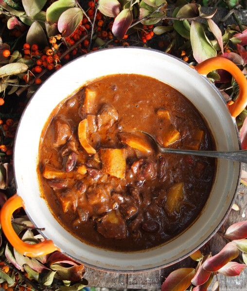 Organic October and Autumn Suppers: Bonfire Chilli with Beef, Chocolate and Pumpkin