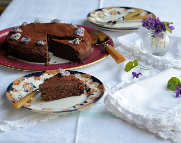 Thrifty & Organic Meal Planner: Persian Lamb, Aromatic Cauliflower & Chocolate Truffle Cake Recipes
