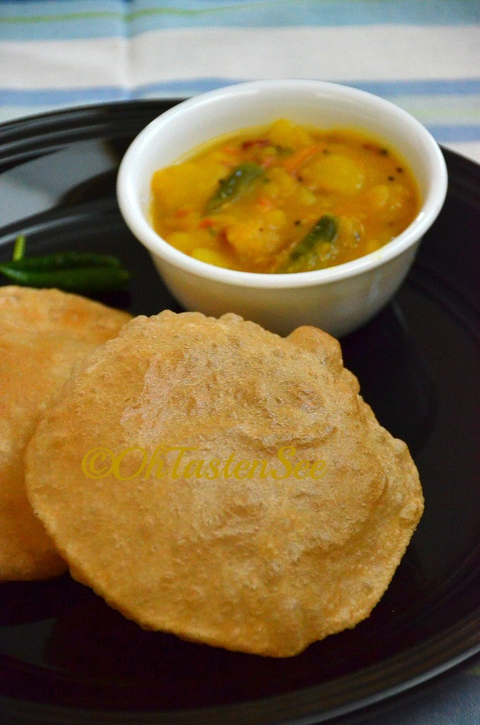 Poori with Potato Masala/Puri Bhaji