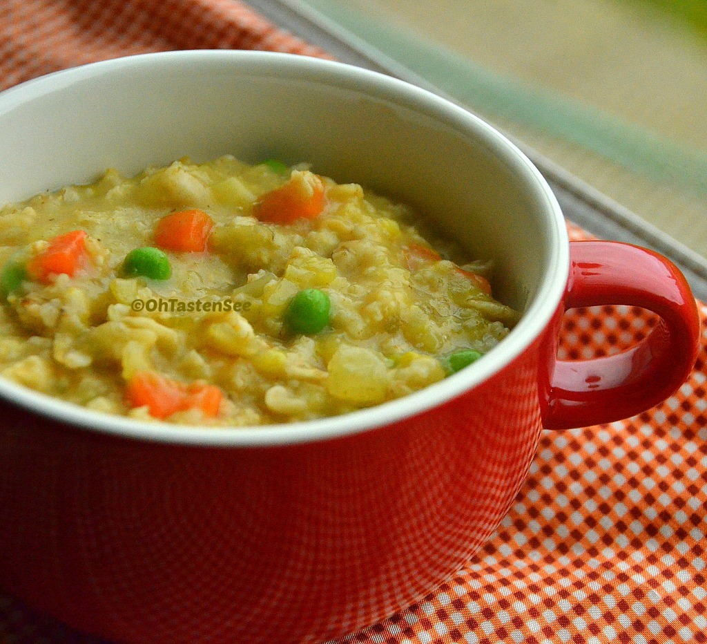 Vegetable Masala Oats/ Savory Oats Porridge