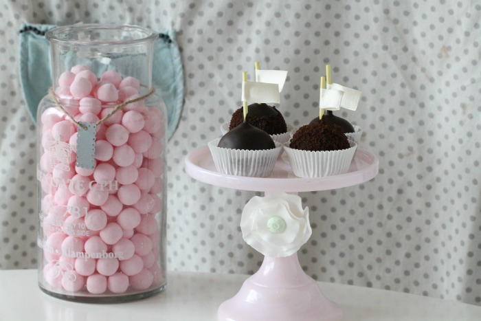 Brownies Cake Pops & Licorice and Lemon curd
