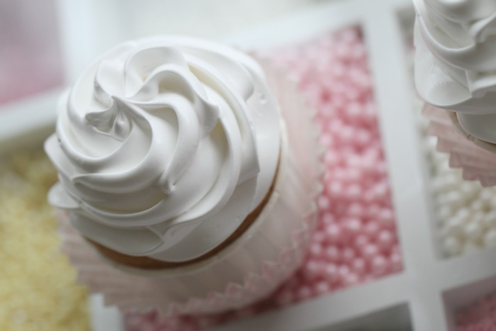 A passion 4 cupcakes , pluss en frosting tutorial