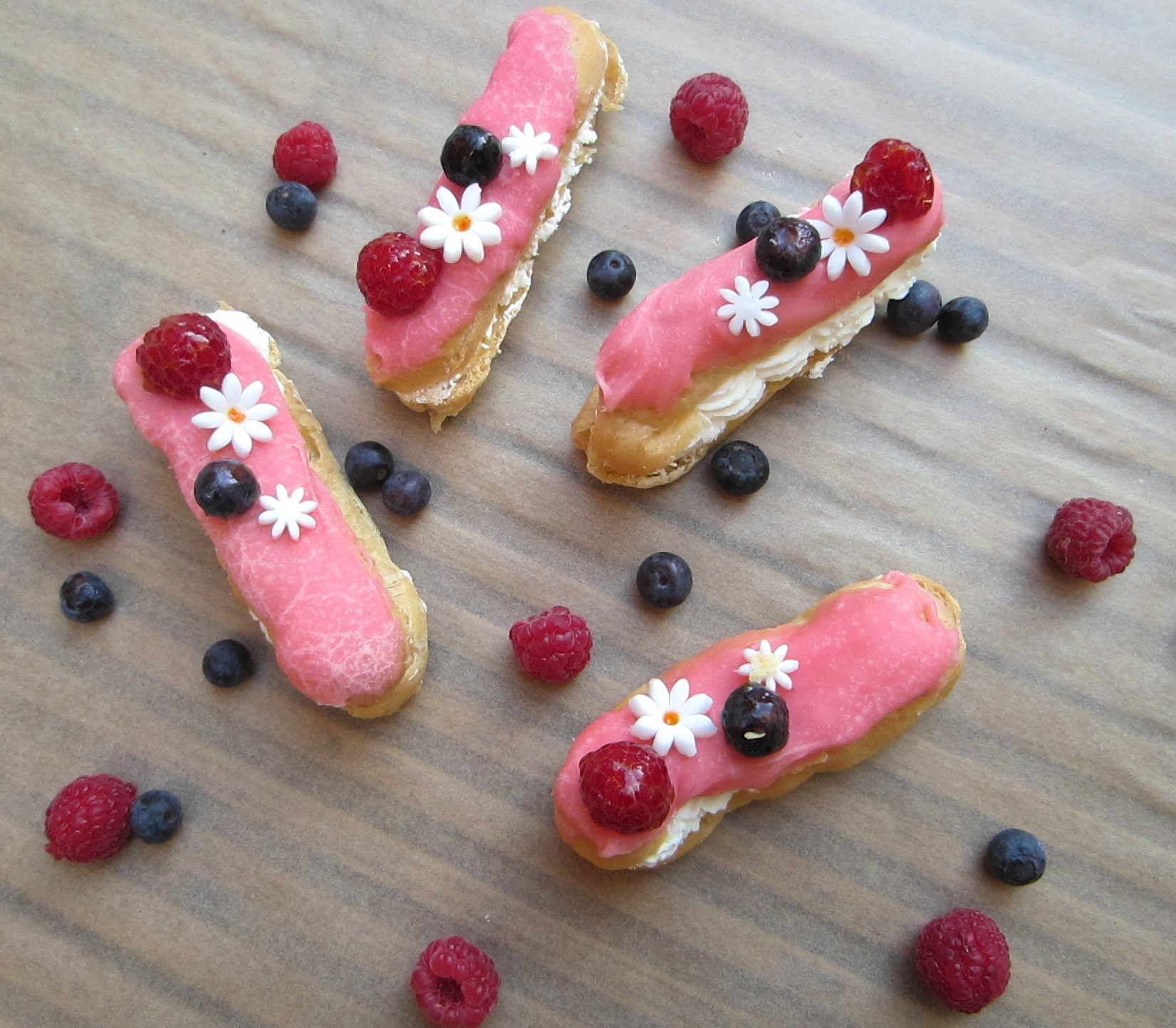 ECLAIRS – PATISSERIE MAISON REVIEW & GIVEAWAY