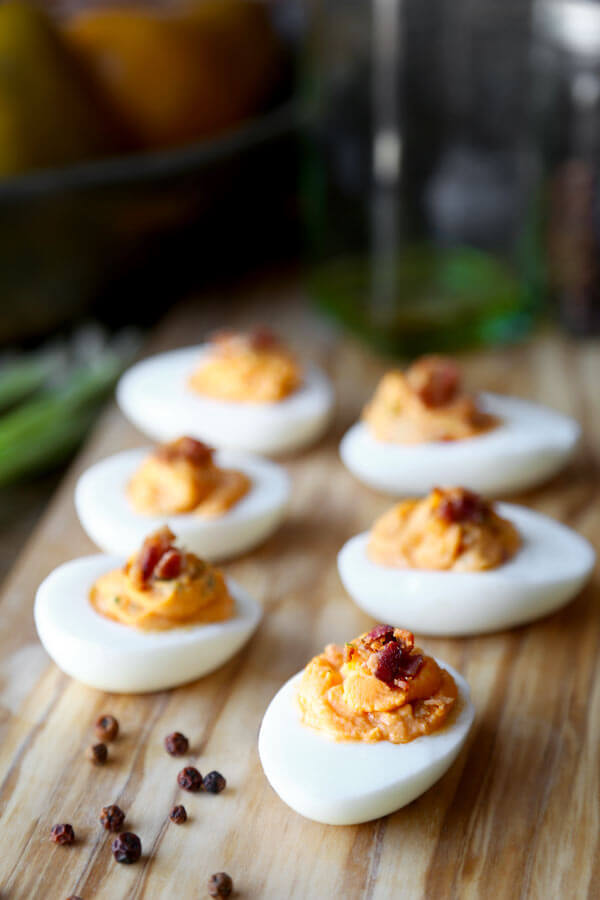 Honey Sriracha Deviled Eggs With Bacon
