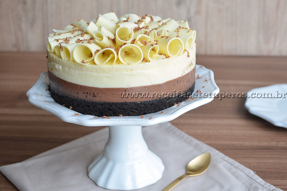 Cheesecake de chocolate preto e branco