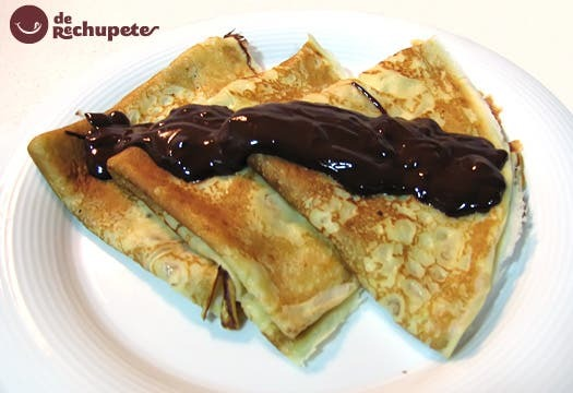 Filloas con chocolate