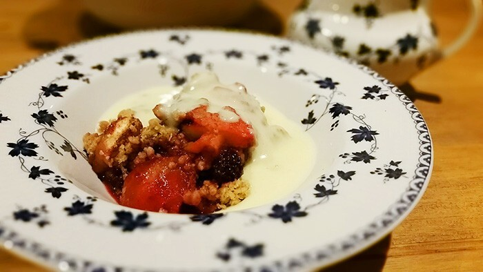 Homemade Apple And Blackberry Crumble Recipe