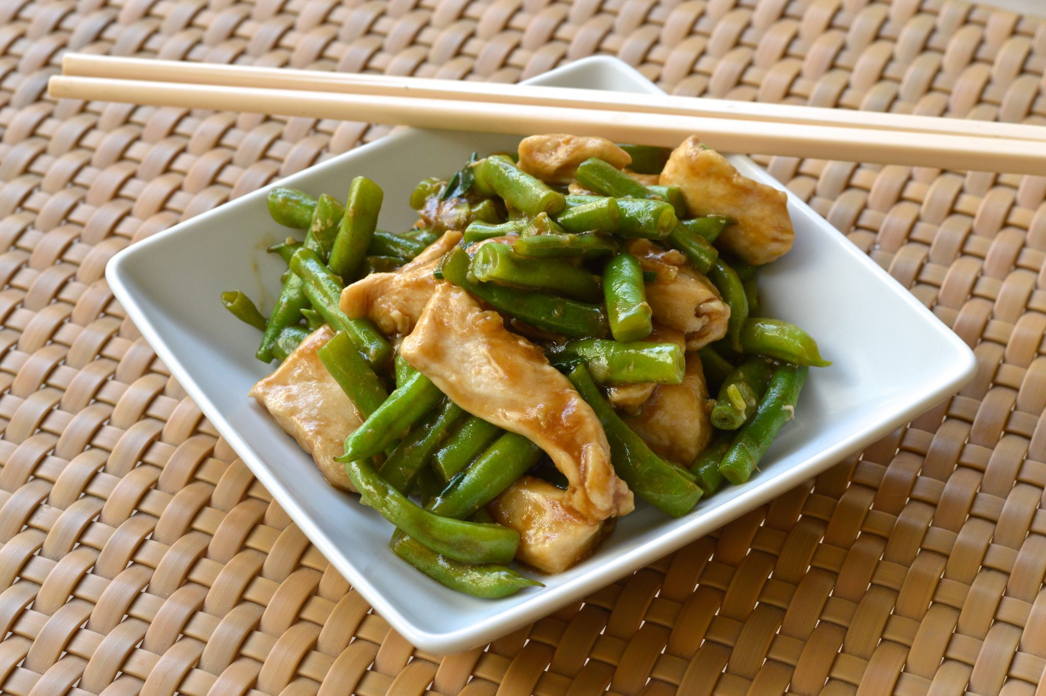Quick and easy stir fry chicken with green beans recipe