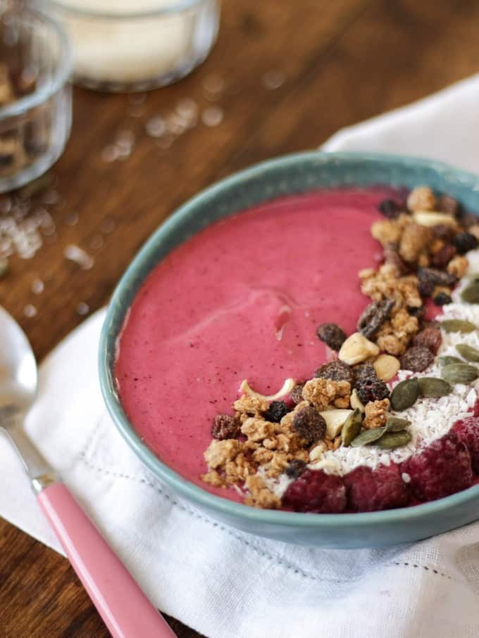 Winter Warmer Berry Smoothie Bowl