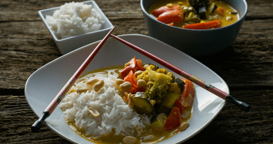 Vegetarisches Thai Curry mit Erdnüssen