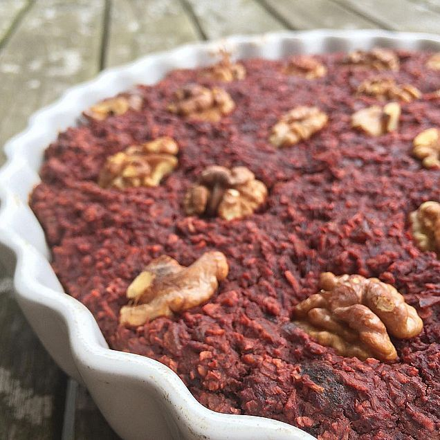 Beetroot chocolate cake with raw cacao powder (gluten free)