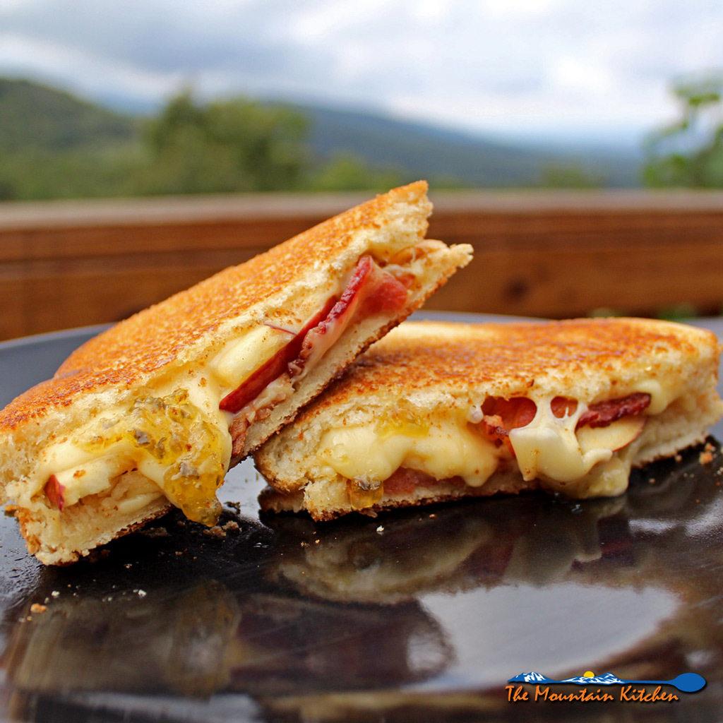 Bacon, Apple & Gouda Grilled Cheese Sandwiches With Jalapeno Jelly