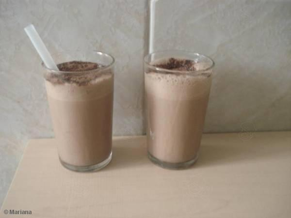 Milk shake de chocolate caseiro