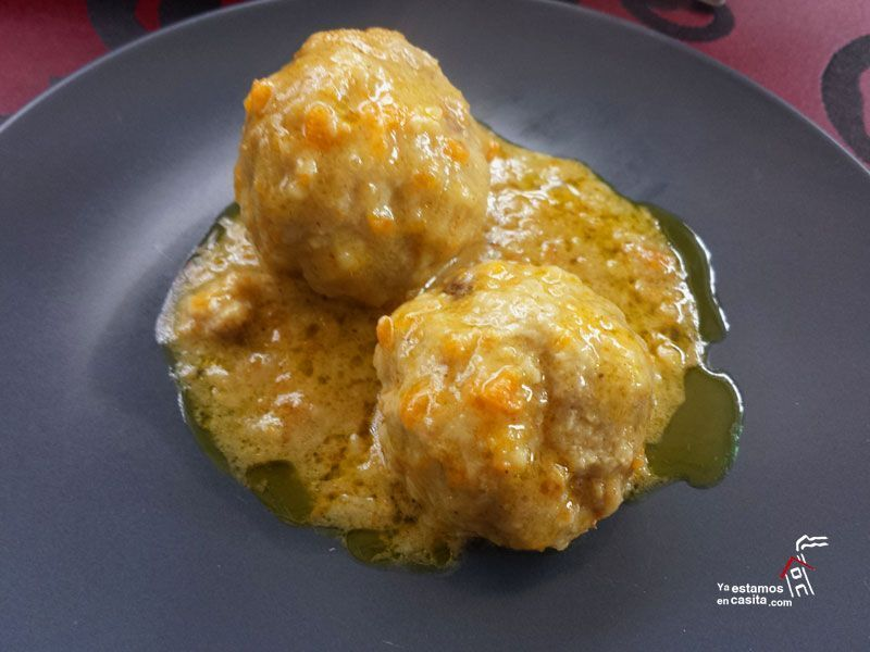 Albóndigas al curry