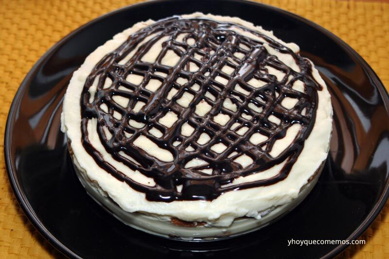 Tarta de Chocolate Blanco y Galletas