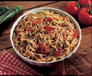 Spaghetti alle vongole: Ricetta originale e segreti passo ...