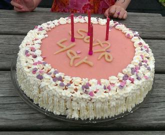 Dato nettstedet glutenfri og valnøtt kake