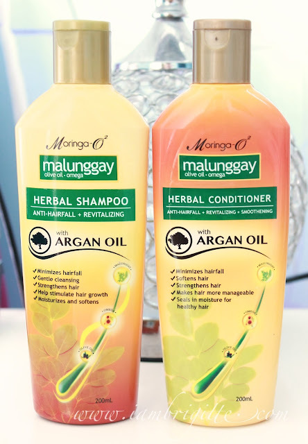 malunggay leaves as shampoo Moringa o2 herbal shampoo with argan oil 200m l- php 180  i find the scent  just right and leaves a pleasant smell on the hair even at the end of the day.