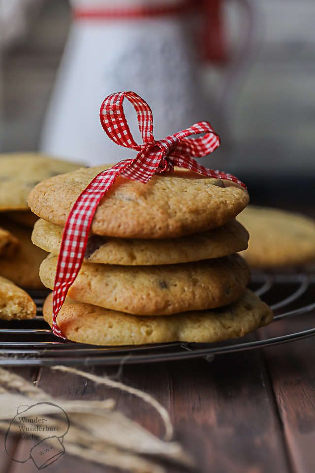 American Cookies with Milk Chocolate Chunks