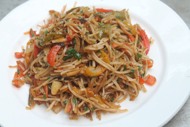 Vegetable Noodles Recipe - Veg Noodles Recipe - Indo Chinese Recipe