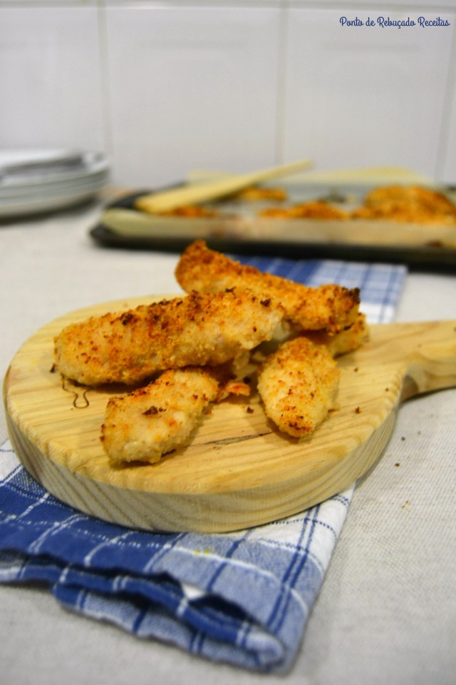 Sticks de frango panados com bacon e queijo