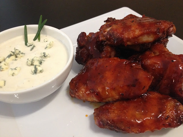 Sticky bbq wings & Blue cheese dip
